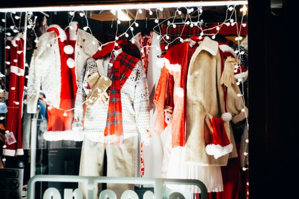 How Mannequins Can Help Your Holiday Display