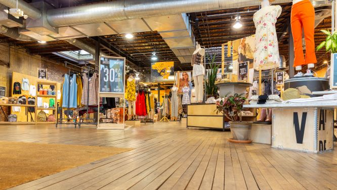 3 Tips to Attract More Customers with Retail Store Fixtures
